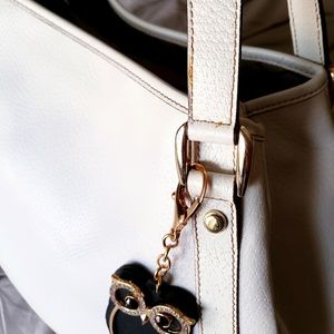 Gucci Bags - GUCCI 🦉AUTHENTIC OFF WHITE LEATHER ABBEY